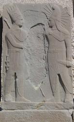 Handshakerelief tussen koning Antiochos I en de Apollo. Westterras Nemurd.
