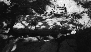 Basik, afsluitsteen grafmonument Basik
