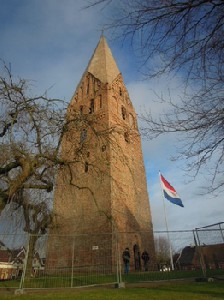 De juffertoren in Schilwolde is weer in volle glorie te zien.