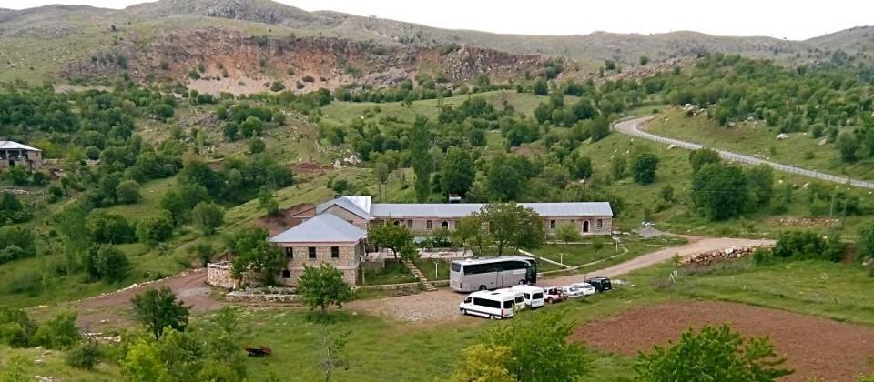 Hotel Kervansaray, 9 kilometer van de Nemrud