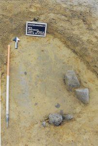 Miranda de Wit: midden-bronstijd grafheuvel, inhumatie kind