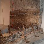 reconstructie boerderij ijzertijd Ezinge, met bouwoffer